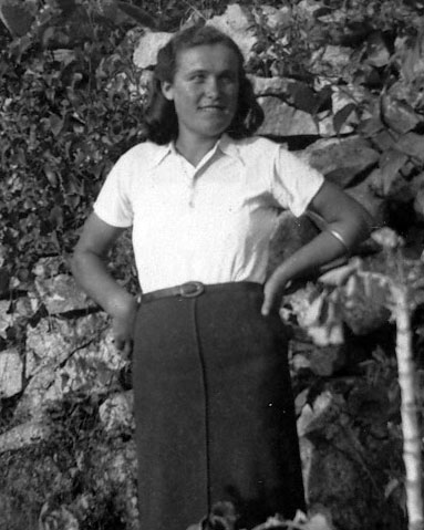 Photograph of Frances from 1938 in Lumbarda